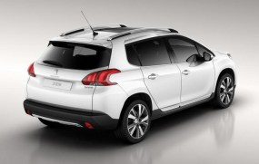 Peugeot-2008-crossover-blanc-2013_4_zps856b7a36