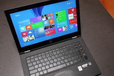 lenovo-yoga-2-pro-in-laptop-mode-on-desktop