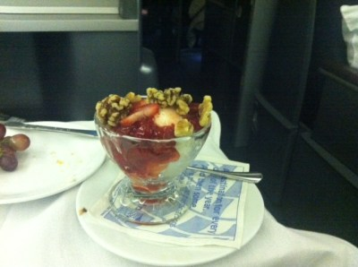 united-airlines-business-class-dessert