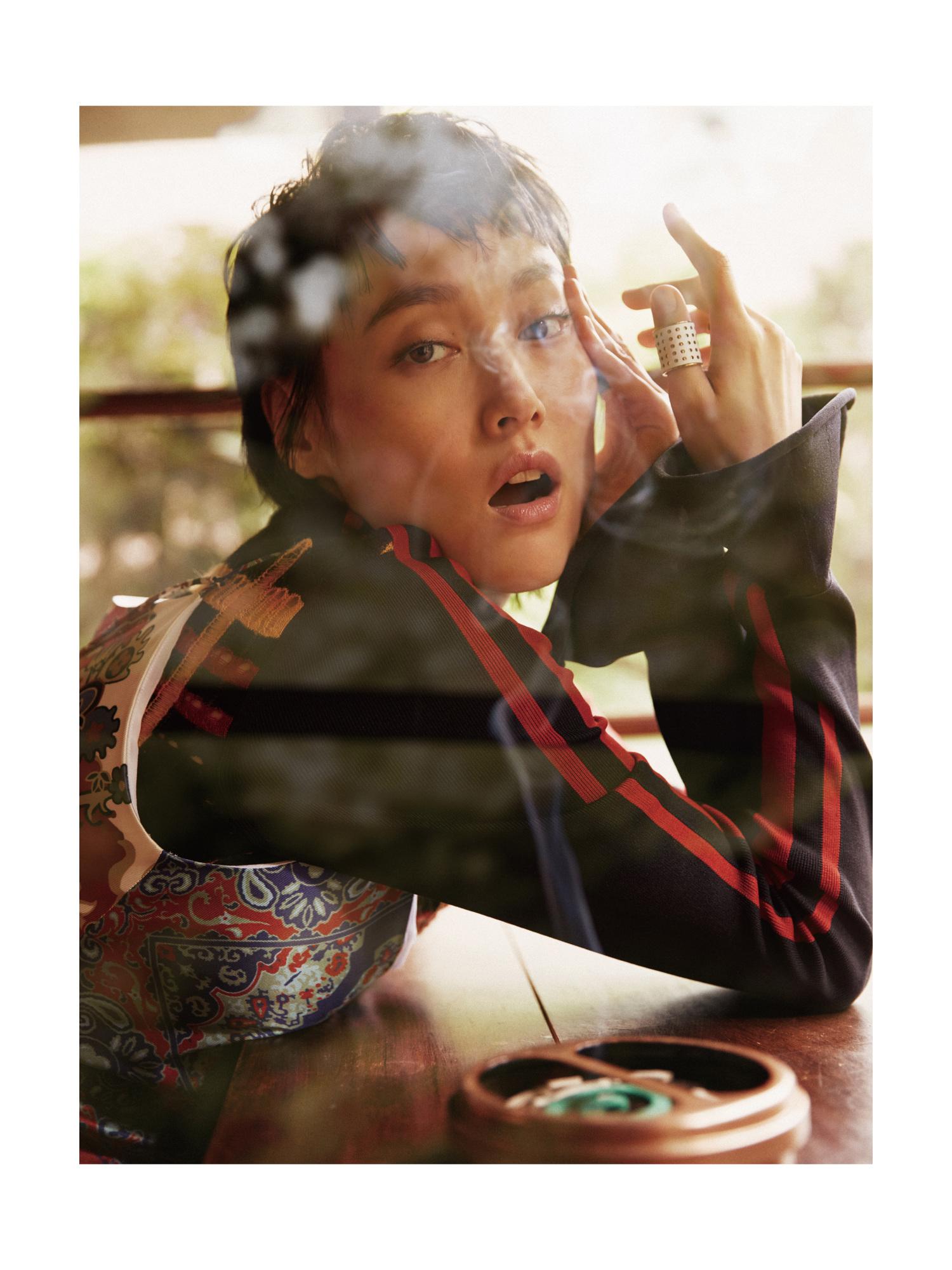 Black Daisy Wallpaper Rinko Kikuchi Madame Figaro Chine Jumbo Photographe