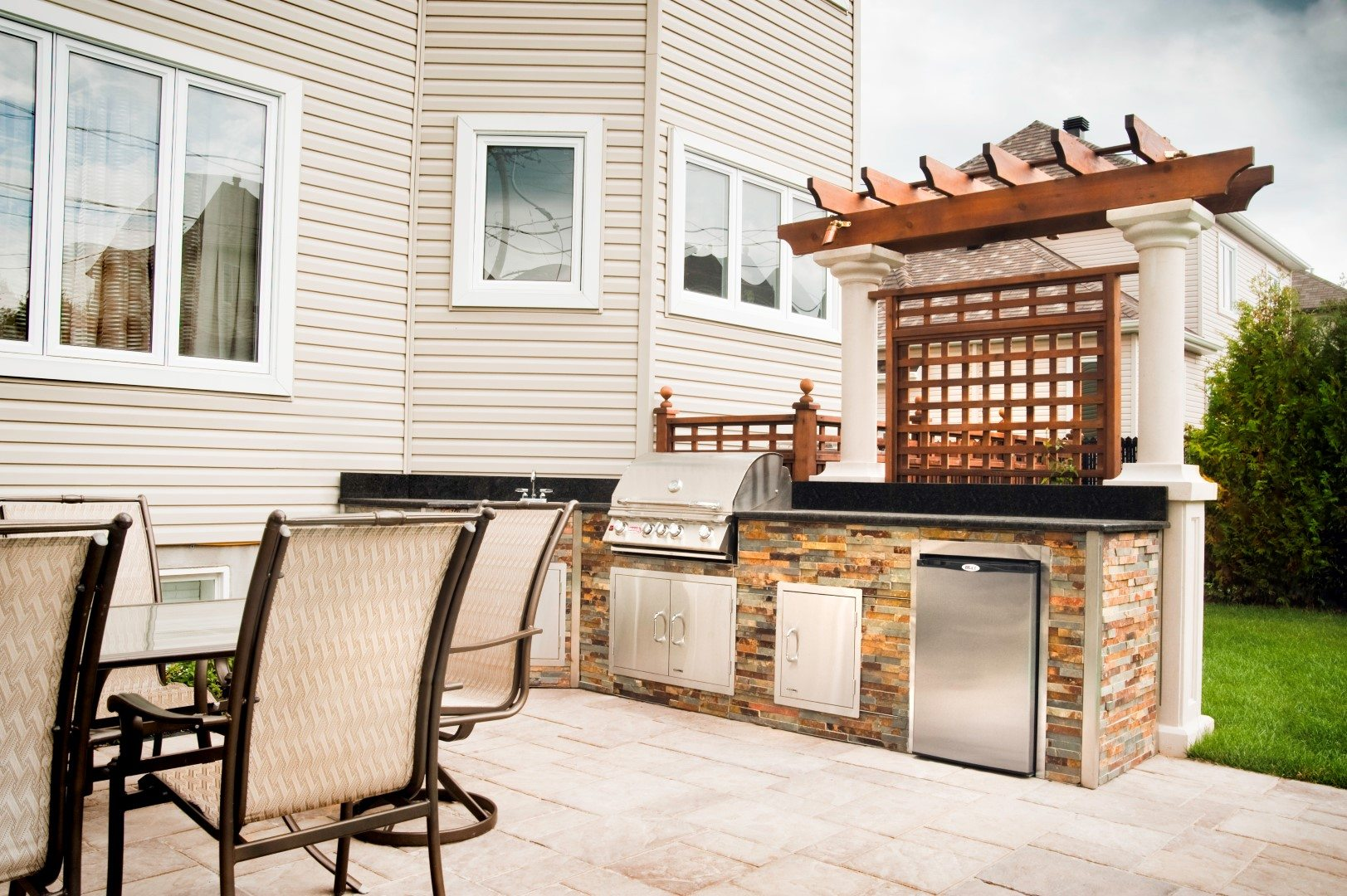 Amenagement Pergola Exterieur Amenagement Barbecue Exterieur Good Perfect Coin Repas