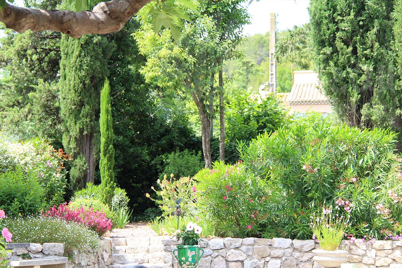 Jardin Méditerranéen Terrasse | Créer Une Belle Rocaille Voici 20 ...