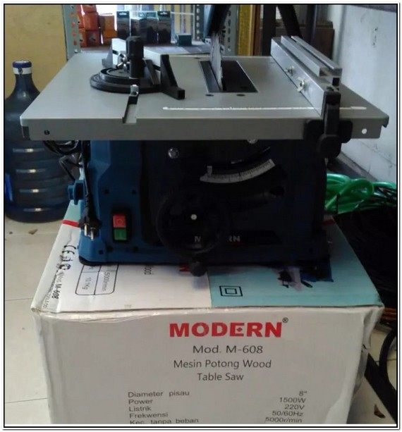 Table Saw Modern