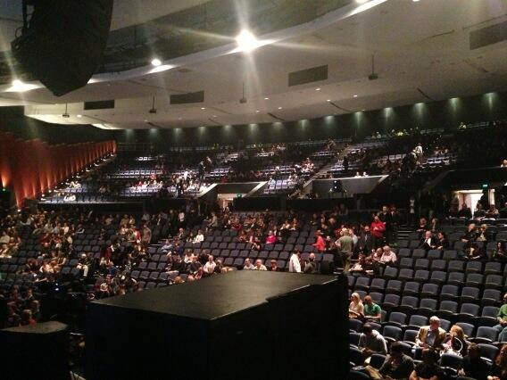 Adam Spencer On Twitter Crowd Streaming In To The Riverside Theatre Perth 15 Mins From Start Of Brianoztour Http T Co Teykgu5ktr