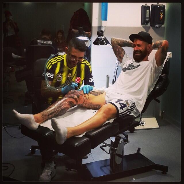 Liverpool Live Wallpaper Iphone Hobo Hipster Raul Meireles Is Getting Another Tattoo From