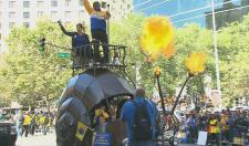 MC Hammer and the Mayor of Oakland Riding In A Fire Breathing Snail Car