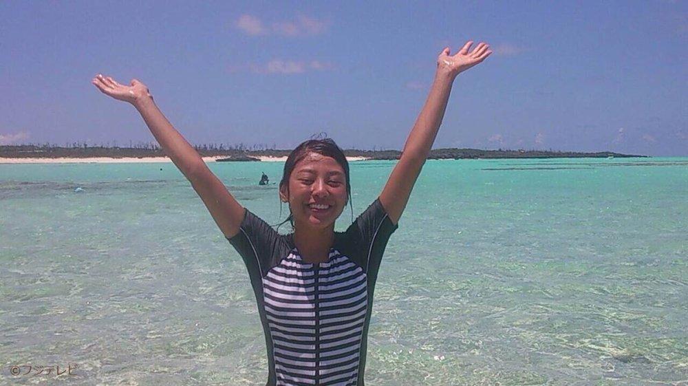 CLzJY nUkAA14Oj 岡副麻希と桐谷美玲はオセロみたいに似ている?黒すぎる理由の水泳が凄い