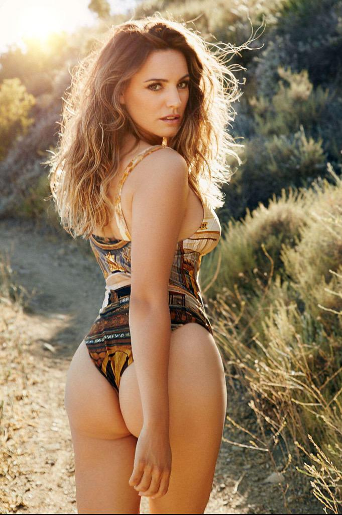 Upstate New York Fall Hd Wallpaper Kelly Brook On Twitter Quot My 2016 Calendar Is Out Now Big