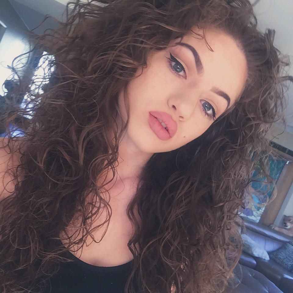 Girl Red Lips Wallpaper Dytto On Twitter Quot Babyyy Http T Co Kqgom6xaj8 Quot