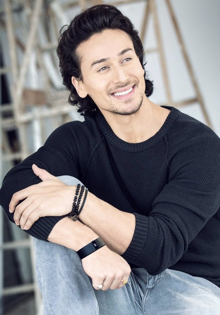 Tiger Shroff Hd Wallpaper Tigers India People And India On Pinterest