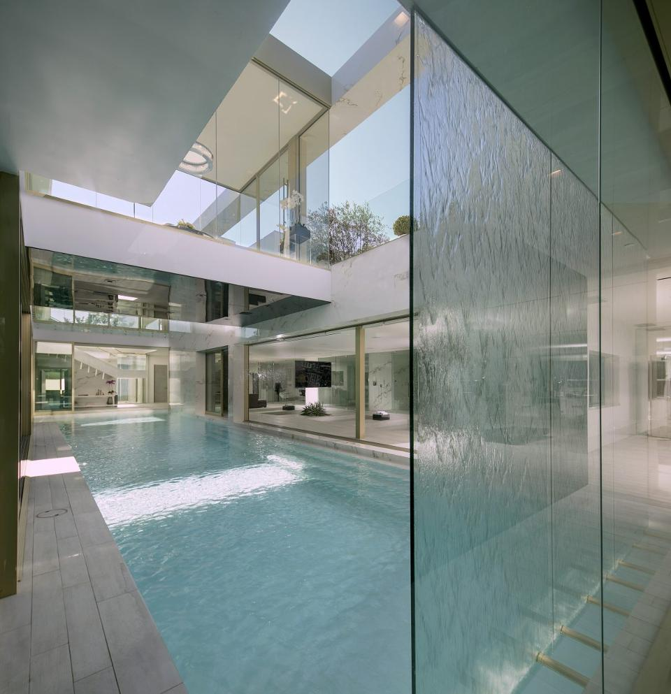 Glas Pool Beverly Hills This 100 Million Beverly Hills Mansion Features A