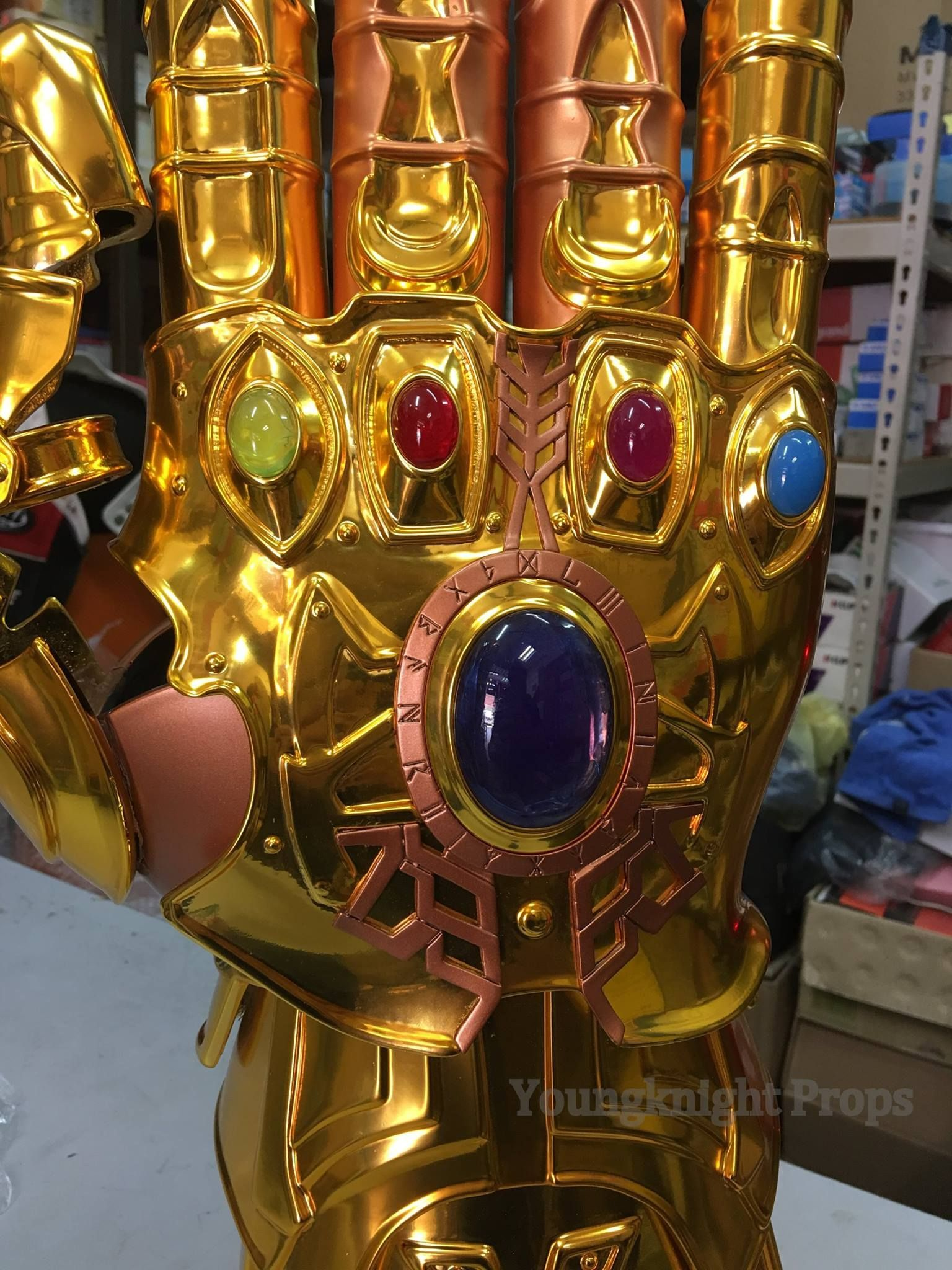 Stores That Have 3d Wallpaper The Rpf On Twitter Quot Infinity Gauntlet Replica By