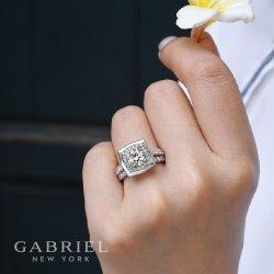 Small Crop Of Wedding Day Diamonds