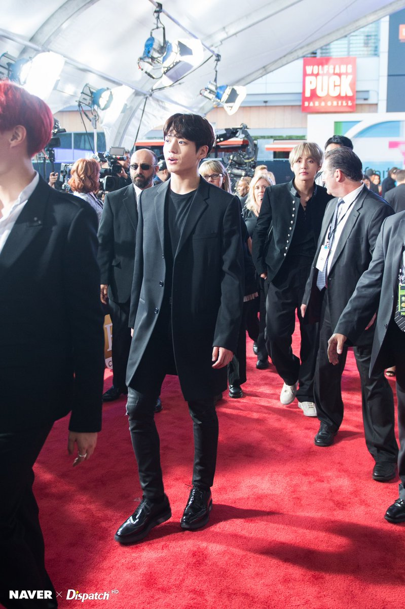 Twitter Alfombra Roja Jungkook Py Oficial On Twitter