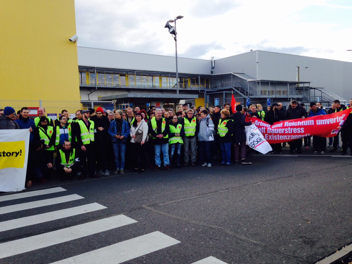 Black Friday Germany Amazon Workers In Italy And Germany Strike On Black Friday