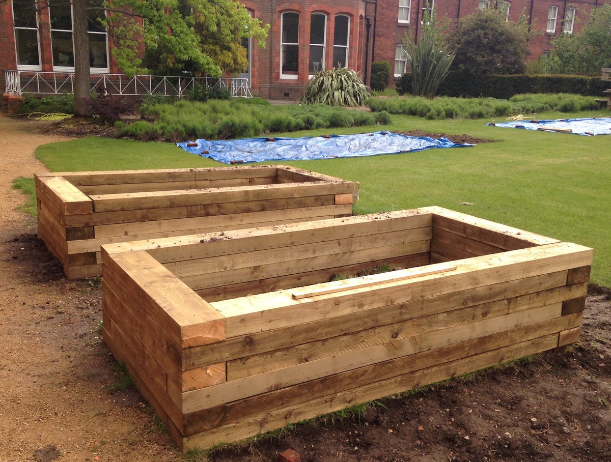 Using Railway Sleepers For Raised Vegetable Beds The Museum Of Rural Life At Reading University Have Built A Fine