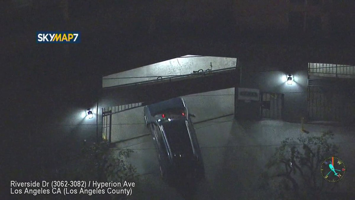 Garage Apartment Los Angeles Story Chase Suspect Hides In Apartment Complex Garage In Los