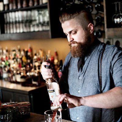 Hipster barman Wasted Wordsmiths Pinterest Bartenders, Bar - bar manager