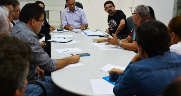 Cartaxo se reuniu com professores por mais de 5 horas na última segunda