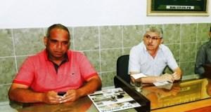 Adênio Pimentel ao lado do 2º secretário eleito, Edson Barbosa
