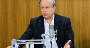 Ministro da Educação Renato Janine Ribeiro
