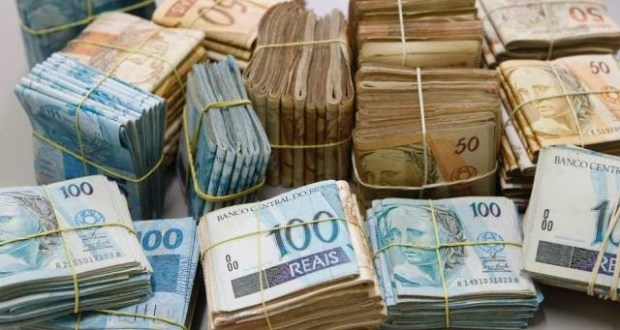 71 mil brasileiros concentram 22% de toda riqueza; veja dados da Receita