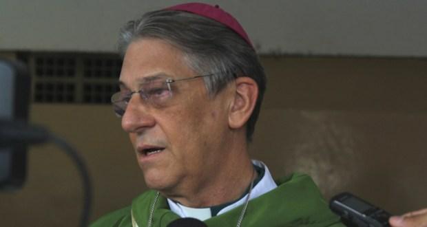 No entanto, Dom Aldo Ainda pode celebrar missa e casamento, mas não pode ordenar padres e diáconos.