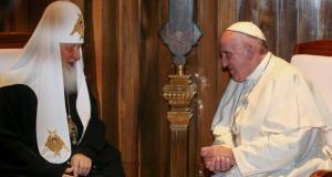 Papa Francisco e o líder da Igreja Ortodoxa Russa, Cirilo I, se reúnem pela primeira vez na história, em Havana (Foto: Agência Lusa/EPA/Alessandro Di Meo)