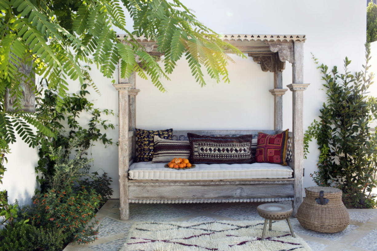 Pearl Daybed Outdoor Outdoor Spaces Can Be More Like Indoor Spaces Columbian