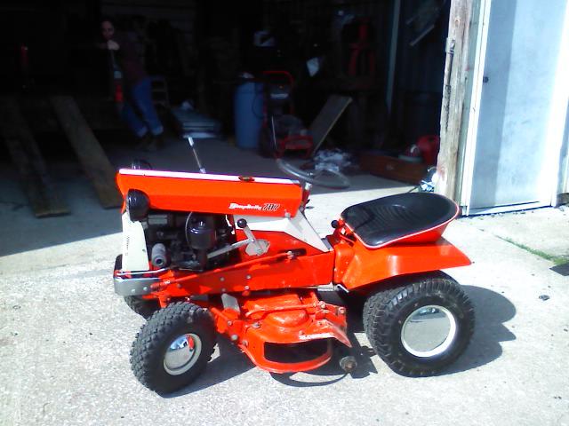 Simplicity Broadmoor 707 Lawn Tractor Simplicity Lawn Tractors