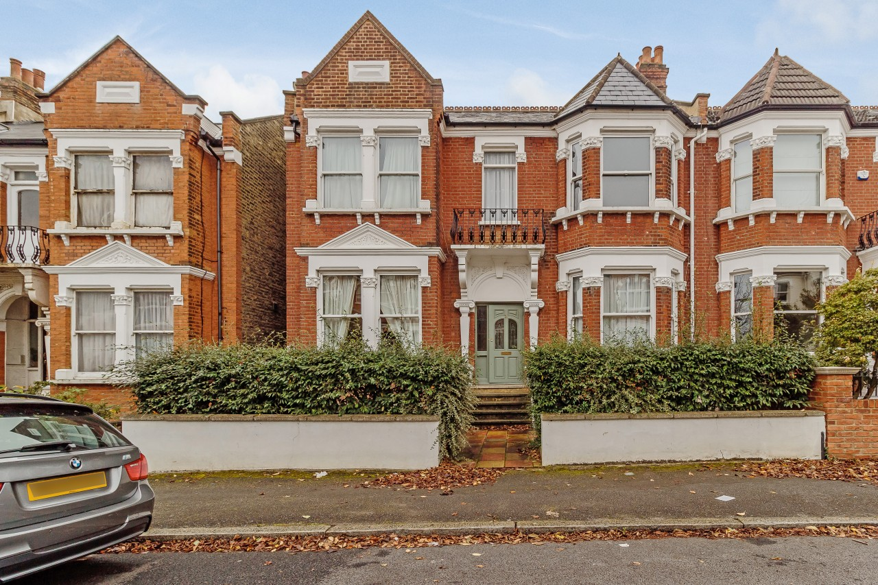 2 Bedroom Garden Flat London 2 Bedroom Flat For Sale Bernard Gardens London London