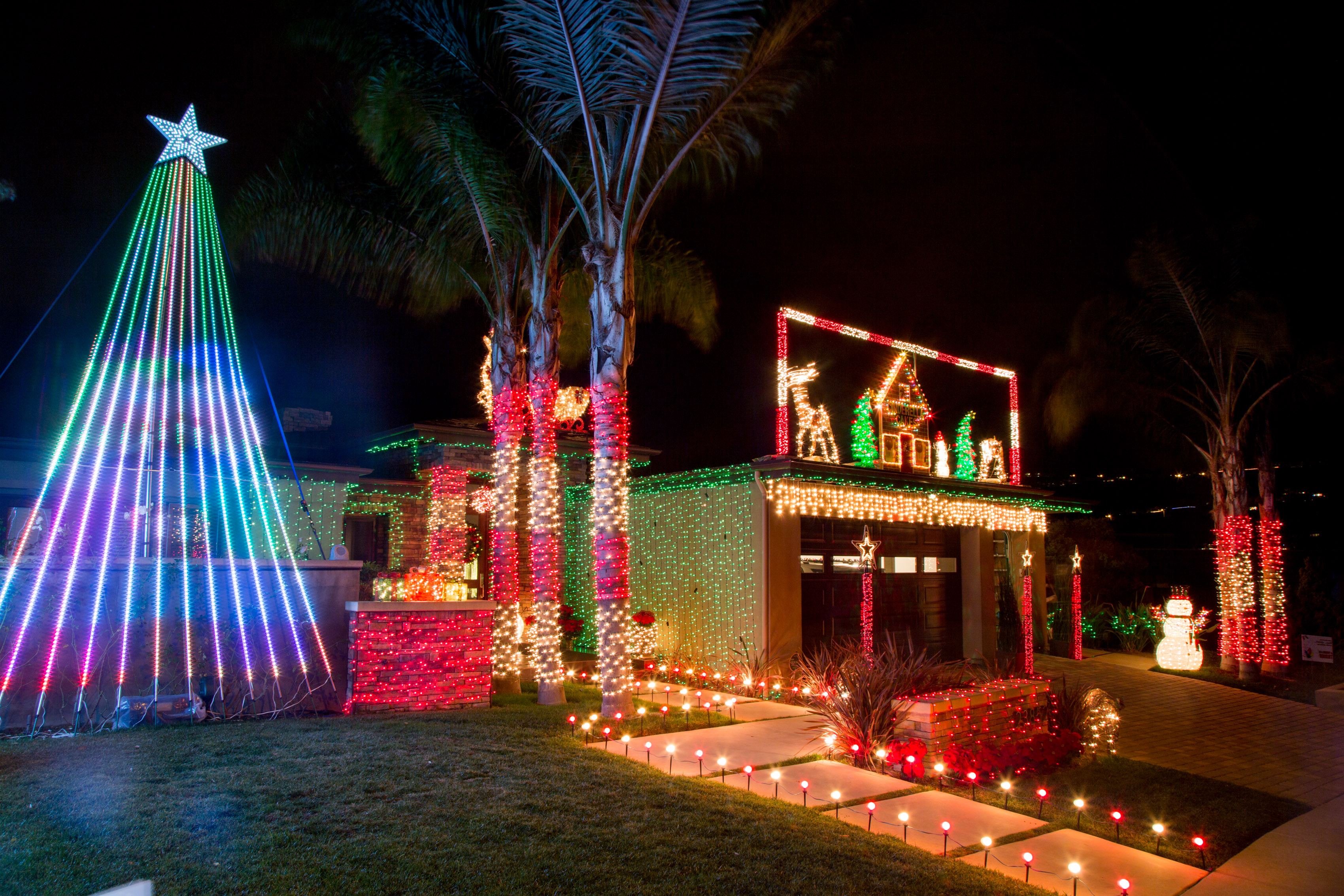 Jb Lighting Jobs Beaumont Contest Seeks Cool And Ugly Home Christmas Displays