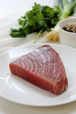 Tuna Sesame Seared Steak with Avocado Salsa (12)