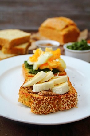Coconut Flour Sandwich Bread (26)