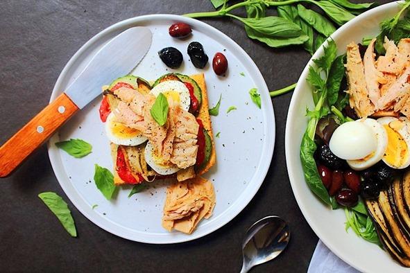 Tuna Salad Cauliflower Bread (19)