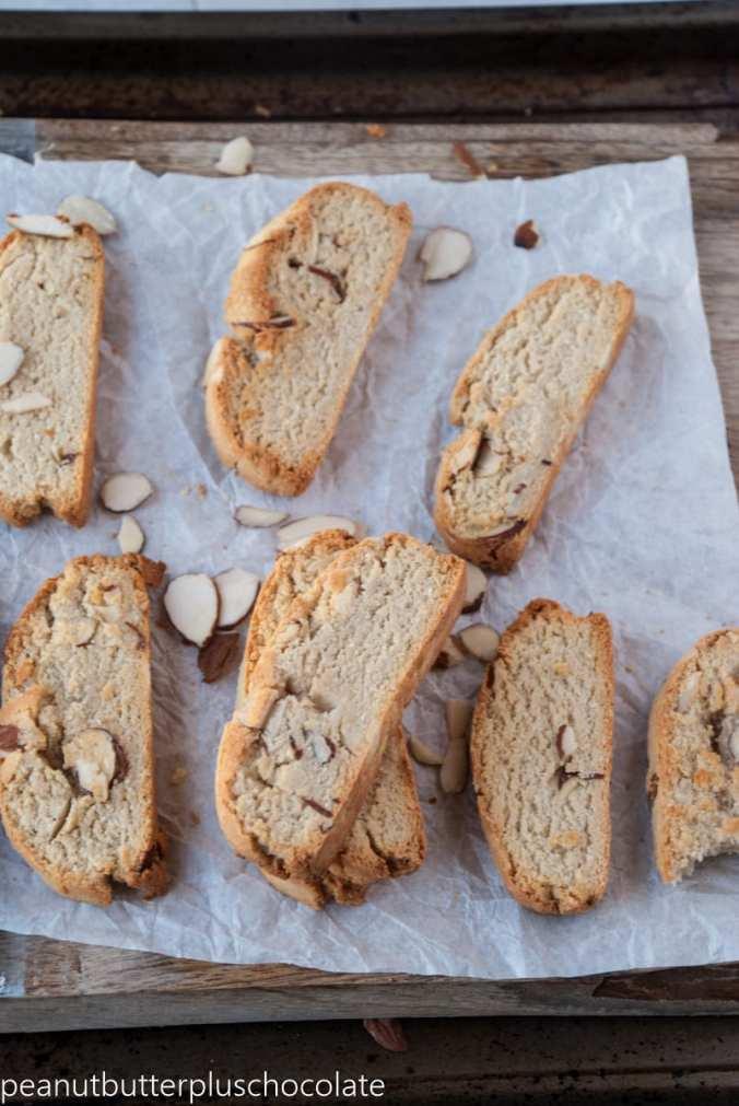 healthy-vanilla-almond-biscotti