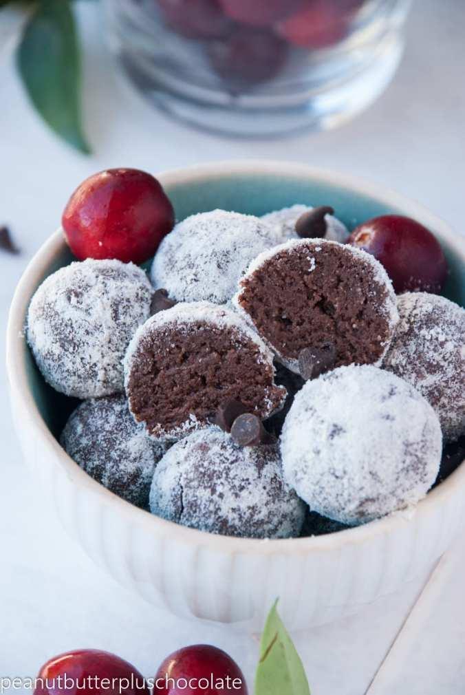 Healthy No-Bake Snowball Protein Brownie Bites {Vegan, Gluten-Free + Paleo option}