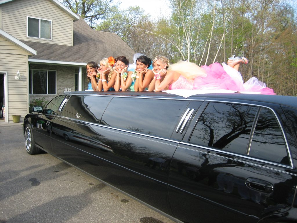 Limo Prom Prom Night Tips For Teens And Parents Pearl Limousine