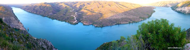 Le Lac de Riba-Roja sur l'Ebre