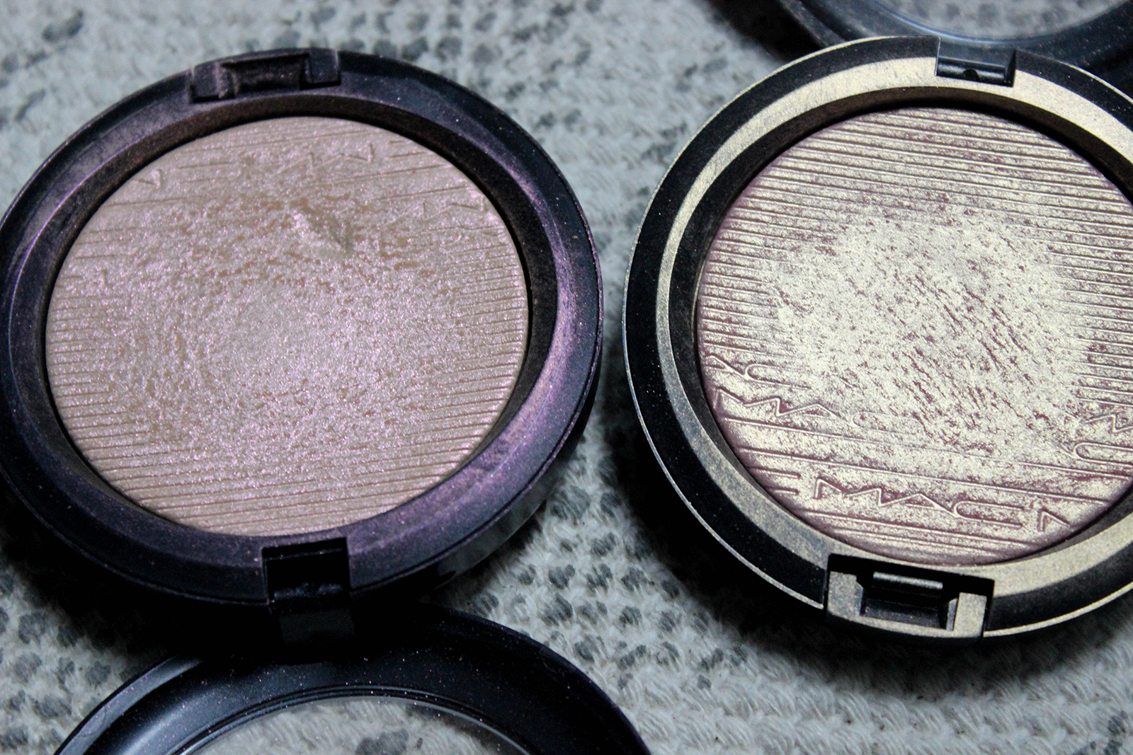 highlighters Skinfinish_Extra Dimension_MACcosmetics-7