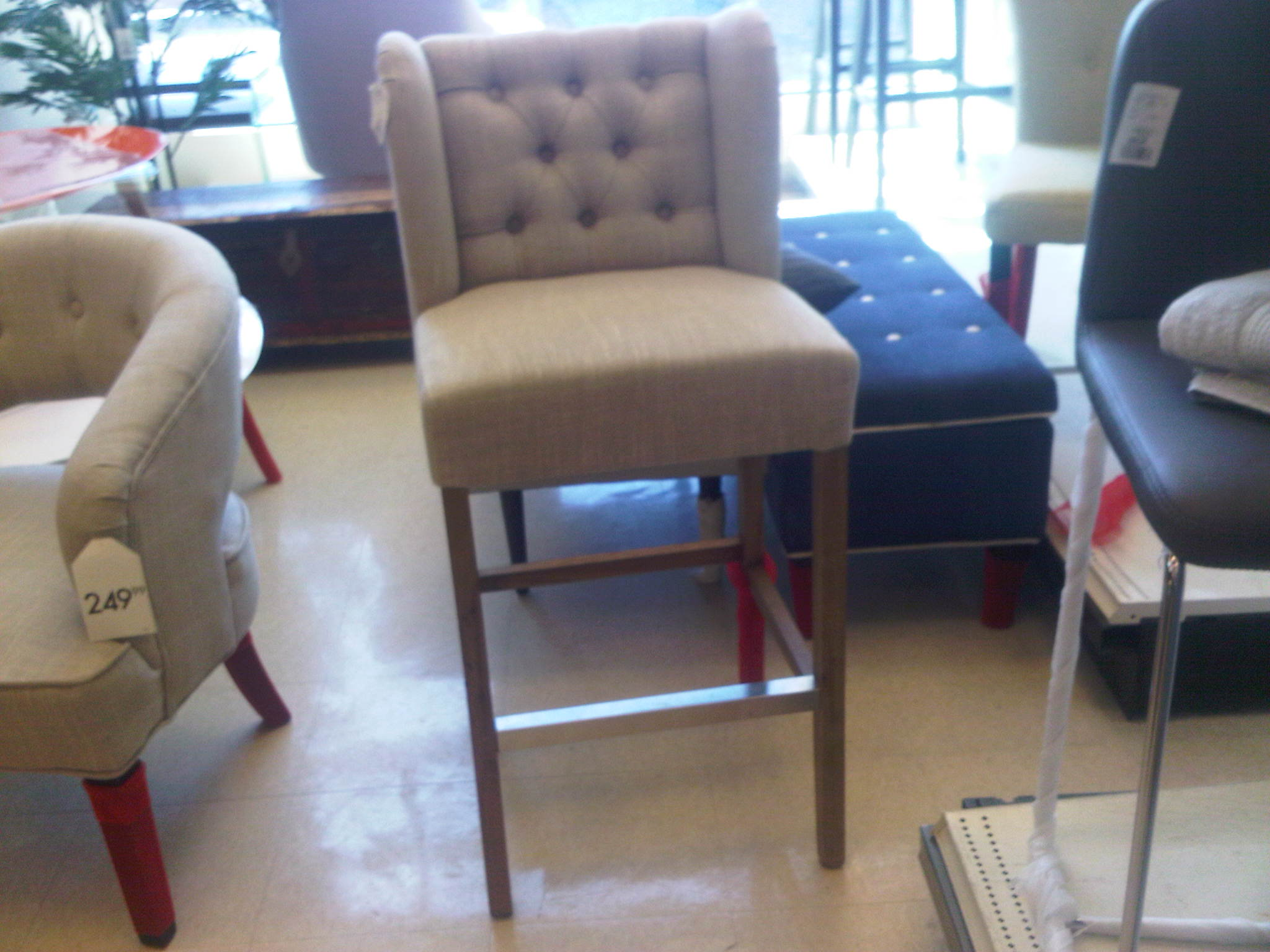 Homesense Accent Chairs Staging A Condo Part 1 The Blank Canvas Kiss And Sell