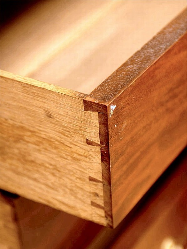Constructing A Mid-Eighteenth-Century Drawer | Pegs And 'Tails