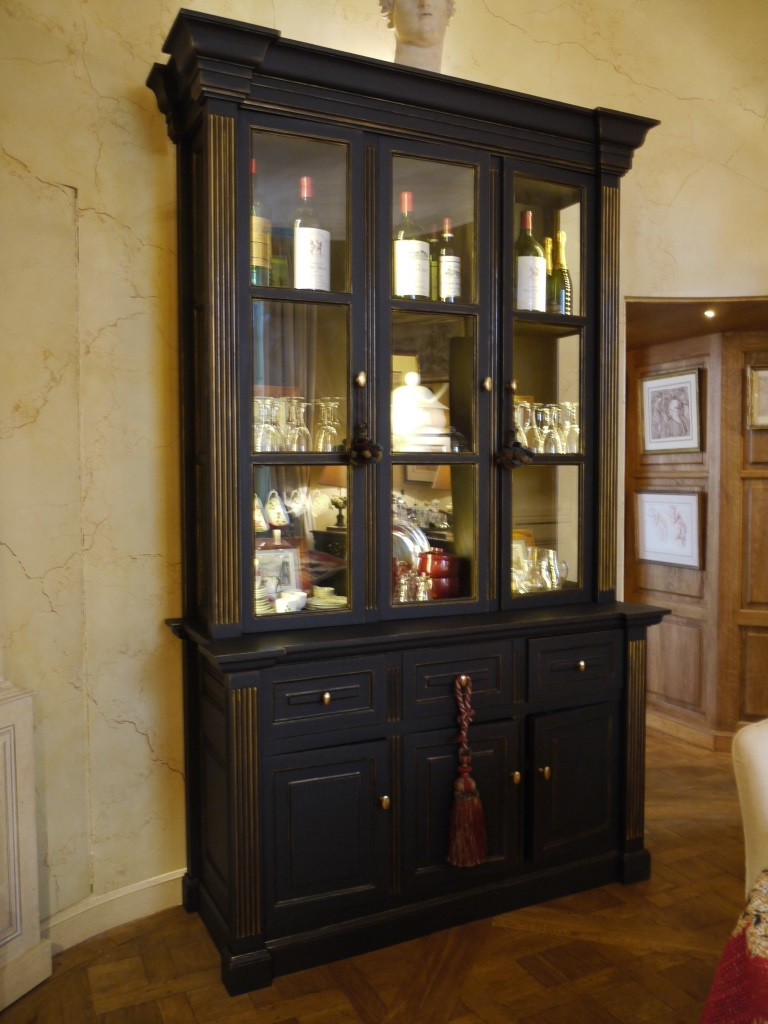Meuble peint en noir comment enlever moisissure sur meuble en bois luxe meubles bois for Moisissure meuble bois
