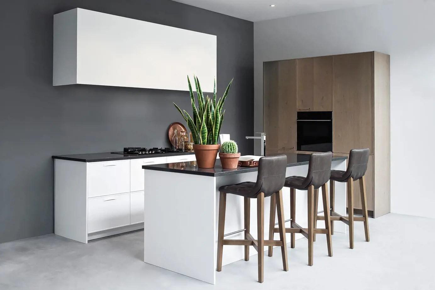 Witte Keuken Schilderen : Kleuren combineren keuken donkere kleuren stylen in je interieur