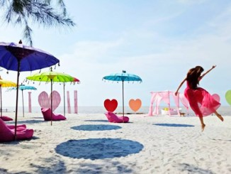 Romance Bay Island - backpackerjakarta.com