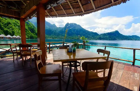 Ora Beach Eco Resort, restoran (sumber: exoticorabeach.com)