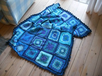 Sampler square crochet blanket