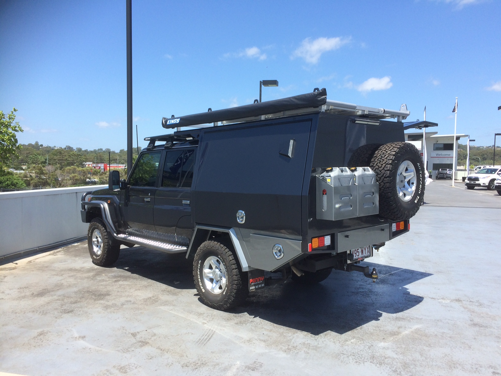 Tray Custom Aluminium Canopy Photos - Toyota Landcruiser Ute