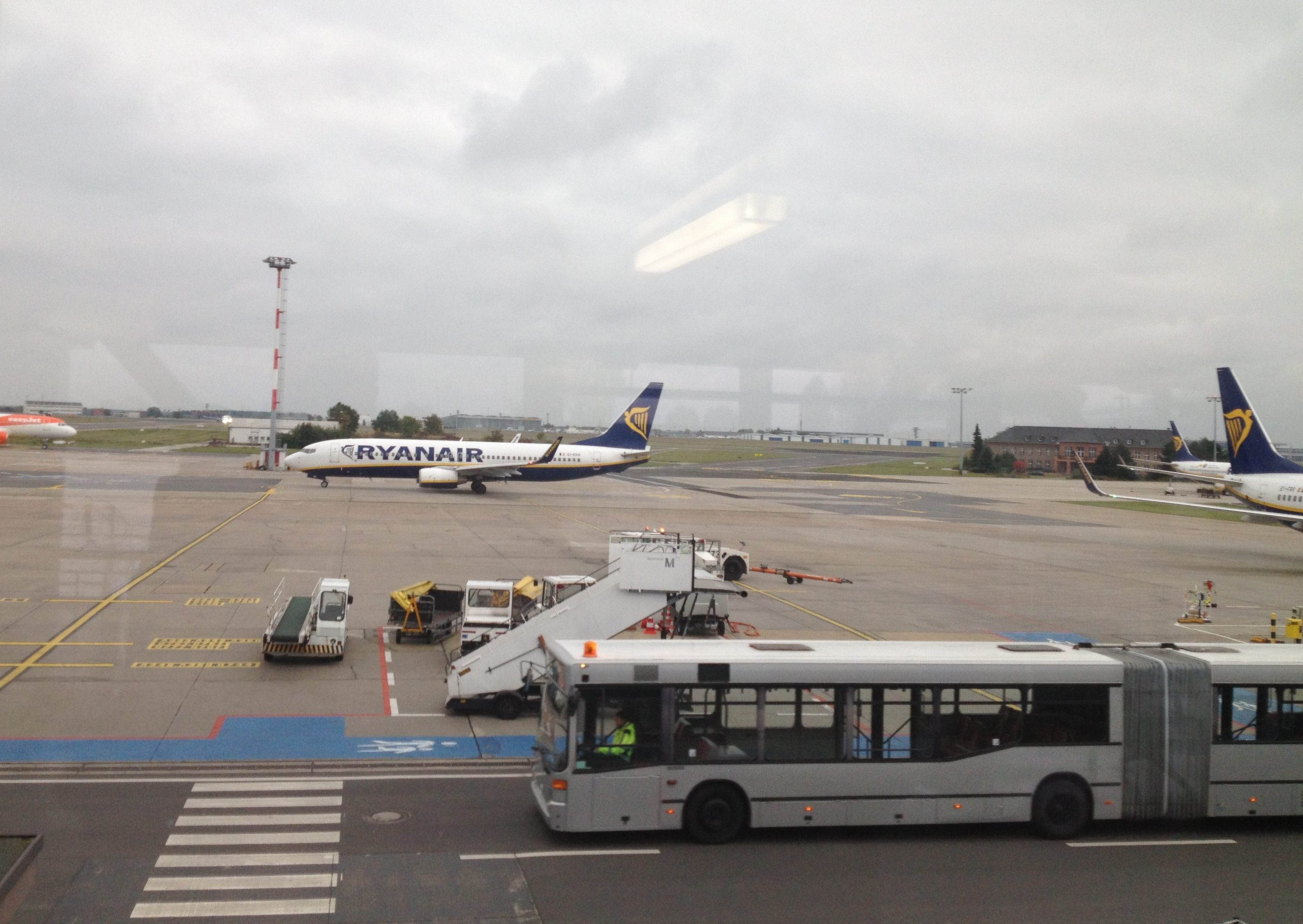 Berlin Schönefeld Ryanair Gate Ryanair Really Getting Better Pennyblog