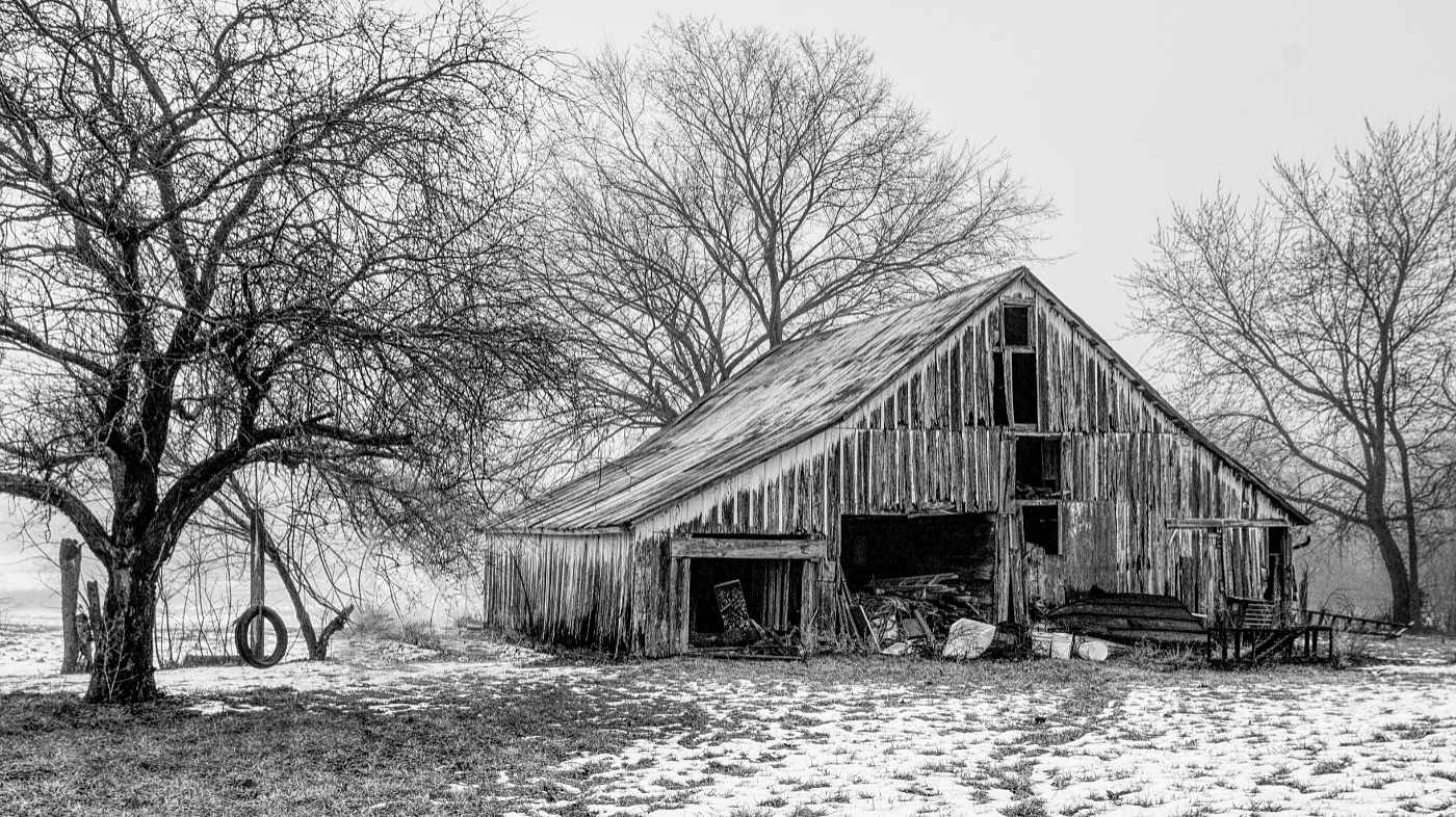 Post Processing Pp Challenge 288 Old Barn On A Foggy Day Pentaxforums Com
